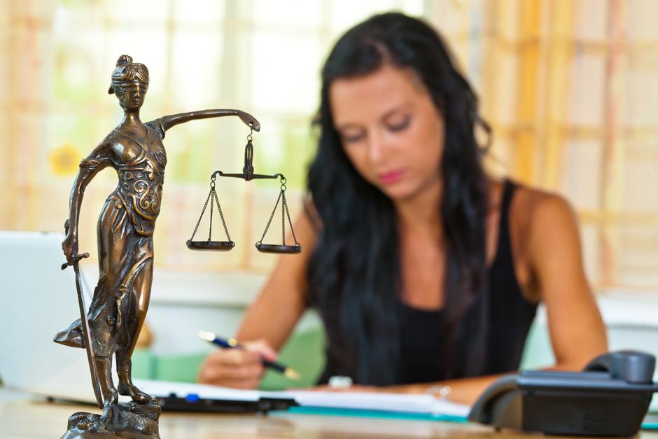 Doriti un avocat specializat in drept penal din Bucuresti?